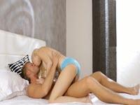 Troia bionda diciottenne trivellata in figa dal suo ragazzo cazzuto