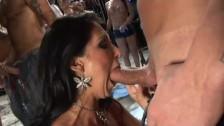Una pazzesca orgia di sesso orale